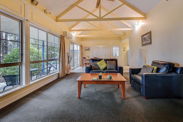 Interior 1br Salmon Cottage